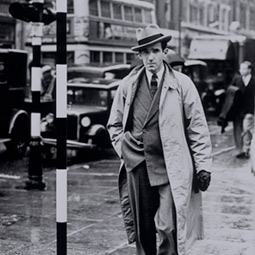 Edward Murrow '30 in London, 1940.