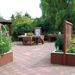 An enabling garden (one of many types) demonstrated in Mount Vernon. <em>Courtesy Skagit County Extension</em>
