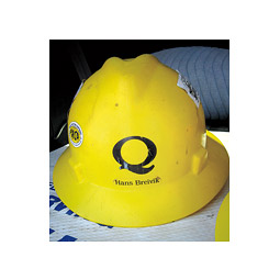 Hard hat. <em>Hannelore Sudermann</em>