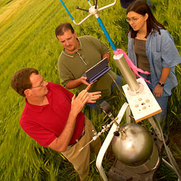 Brian Lamb and others measure nitrate fertilizer output. WSU photo