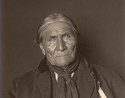 Goyathlay (Geronimo). <em>Photo DeLancey Gill, courtesy National Museum of the American Indian</em>
