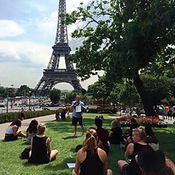 WSU design professor Robert Krikac instructs students on the faculty-led tour to Paris. <em>Photo Carrie Vielle</em>