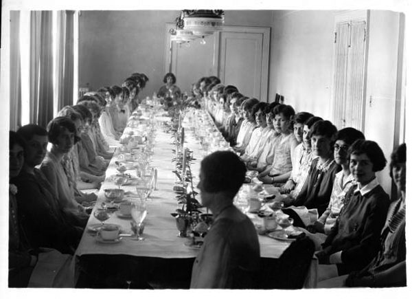 File:Sorority dinner 1920s.jpg