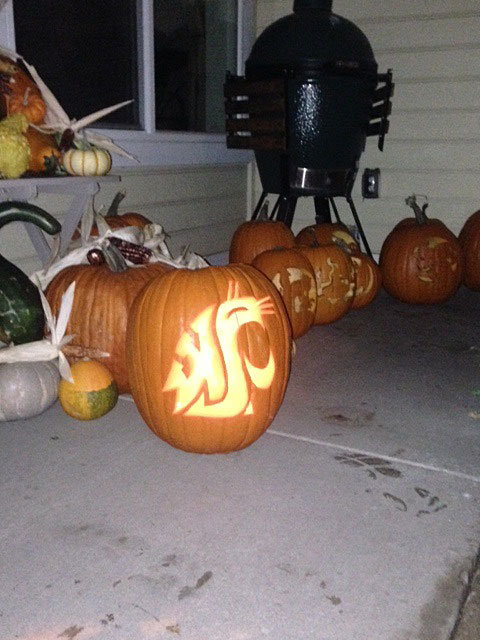 Jon Seitz '01 from Yakima made this great Coug-o-Lantern for Halloween this year.